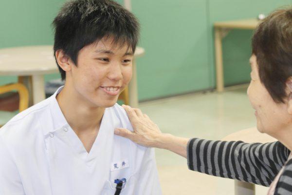 医学アカデミー 夜間学生 リハビリテーション病院 働きながら学ぶ (3)